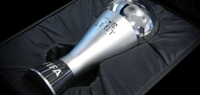 Trofeo de los premios The Best. Foto: Internet.