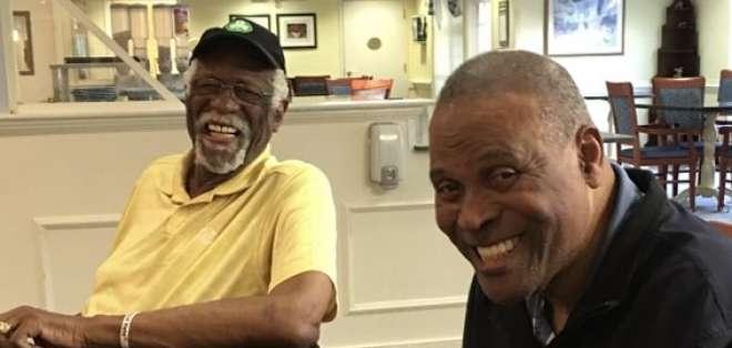Bill Russell, a la izquierda, y K.C. Jones, a la derecha. Foto:; Bill Russel