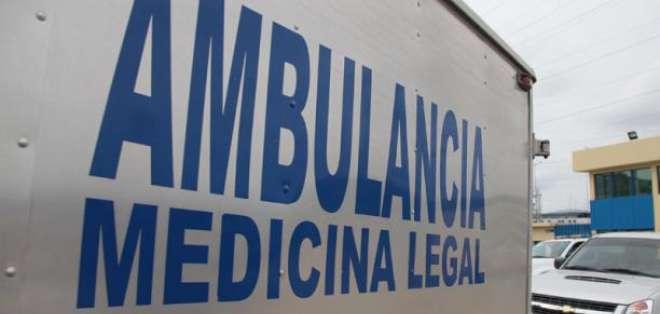 Autoridades de medicina legal retiraron el cuerpo del arrollado.