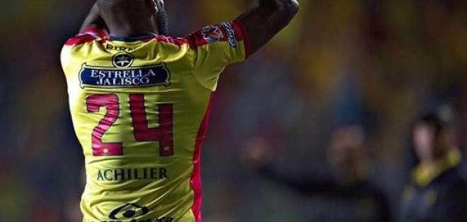 El defensa ecuatoriano es catalogado como uno de los defensores más confiables del torneo. Foto: Tomada del Instagram @gabrielachilier