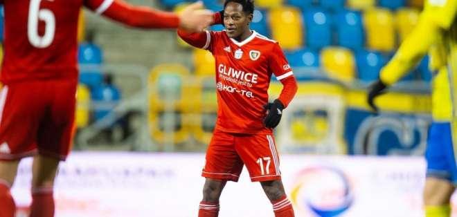 Joel Valencia, jugador ecuatoriano tras su gol.