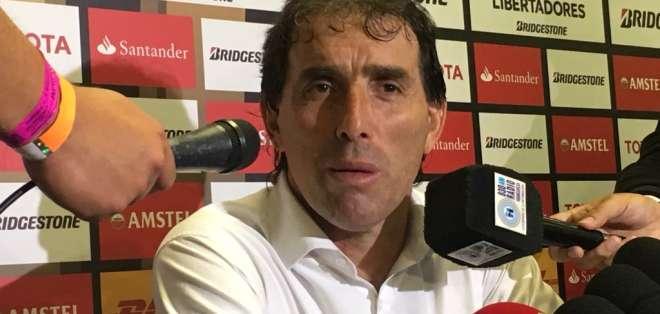 El entrenador uruguayo se irá al Santos Laguna de México.