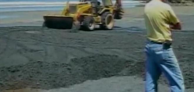 Extracción de arena negra en Mompiche causa malestar en moradores