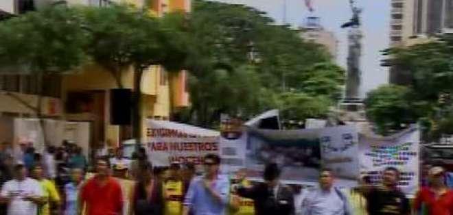 Suspenden nuevamente audiencia  de caución a los 14 hinchas de Barcelona