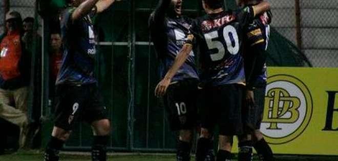 Independiente José Terán vence 2-0 al Macará en Ambato y es segundo