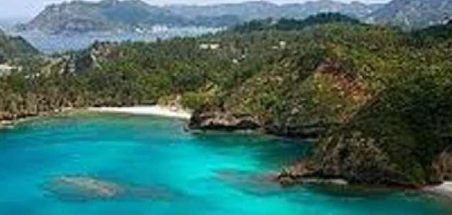 Intensifican búsqueda de turista chileno en Galápagos