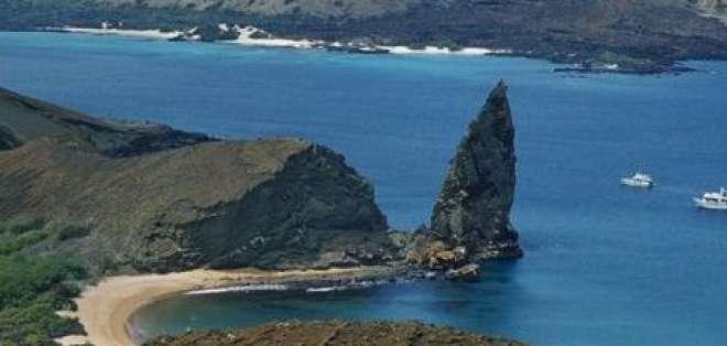 Intensifican búsqueda de excursionista chileno en las Galápagos
