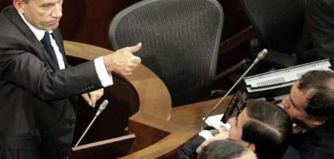 El Senado Colombiano aprueba Marco Jurídico para la Paz