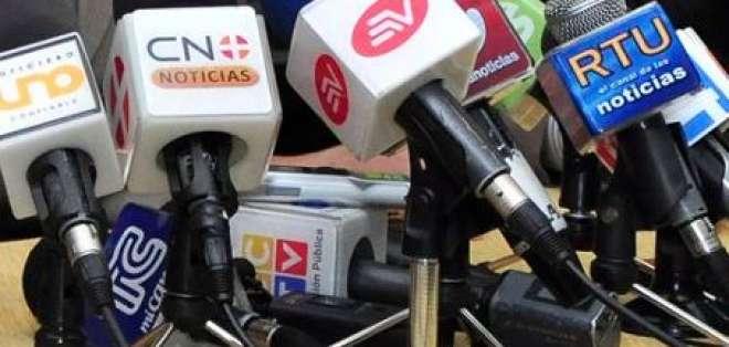 Correa ratificó prohibición de dar entrevistas a medios privados