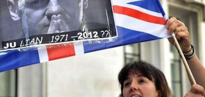 Suecia: Pedido de Assange es un asunto entre Reino Unido y Ecuador