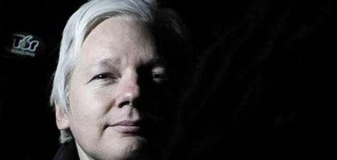Assange, el hombre que retó a gobiernos al revelar documentos confidenciales