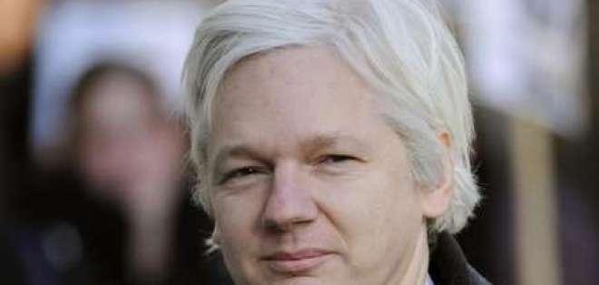 Ecuador estudia pedido de asilo realizado por Julian Assange