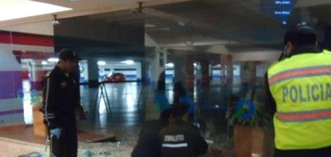 Cámaras de seguridad del Quicentro captaron la balacera de ayer