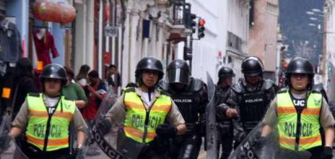 Policía intensifica controles para evitar asaltos en centros comerciales