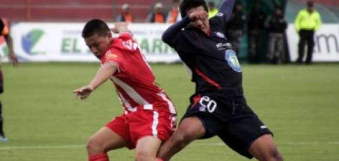Técnico Universitario vence 1-0 y deja colista al Olmedo