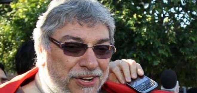 Lugo convoca a un gabinete por la 'restauración democrática' en Paraguay