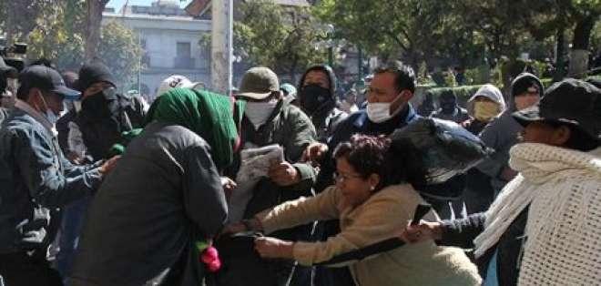 Gobierno boliviano denuncia planes de golpe de Estado por parte de policías