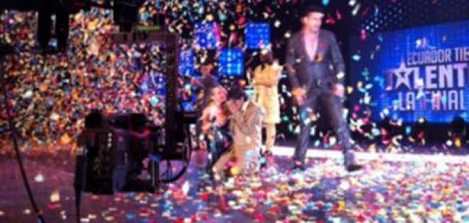 Luis Castillo divirtió al país y se convirtió en el ganador de Ecuador Tiene Talento
