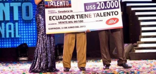 La sencillez y el talento del quiteño Luis Castillo conquistaron a Ecuador