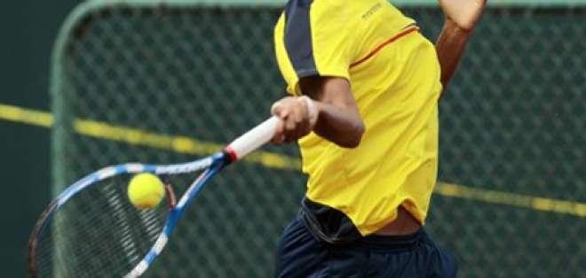 Julio Campozano en cuartos de final de Futuro 6 de Lima