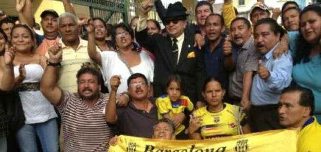 Juez concede la libertad para los 14 hinchas de Barcelona detenidos