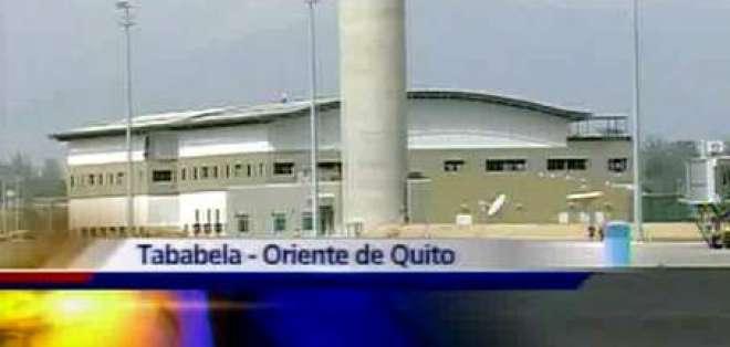 Aterrizó esta mañana primer vuelo de ensayo en nuevo aeropuerto de Quito