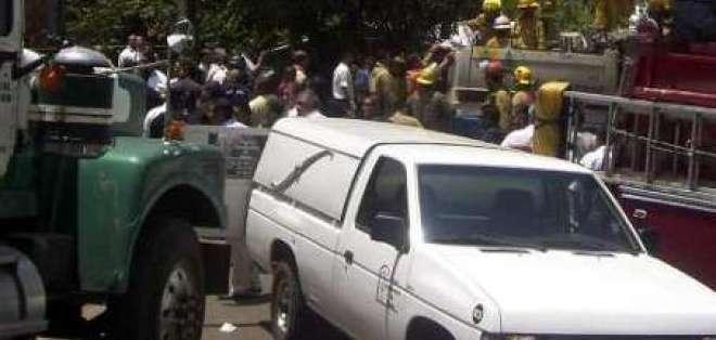 Alrededor de diez muertos en choque entre furgoneta y camión en Brasil