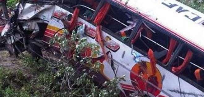 28 buses de la Cooperativa Espejo son sometidos a revisión técnica