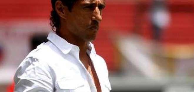 Marcelo Fleitas oficializa su renuncia a la dirección técnica de Emelec