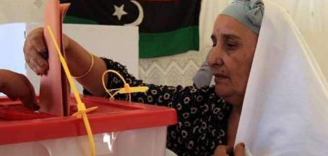 Libios votan por primera vez en libertad en una jornada con incidentes