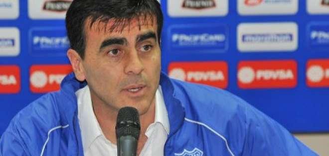 Gustavo Quinteros llegó para asumir la dirección técnica de Emelec