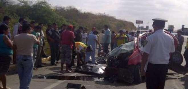 Tres personas mueren en accidente en la comuna Zapotal