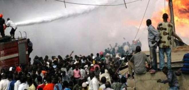 Al menos 80 personas mueren al explotar un camión cisterna en Nigeria