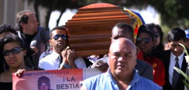 Jaime Quiñónez fue sepultado en medio del dolor de familiares y amigos