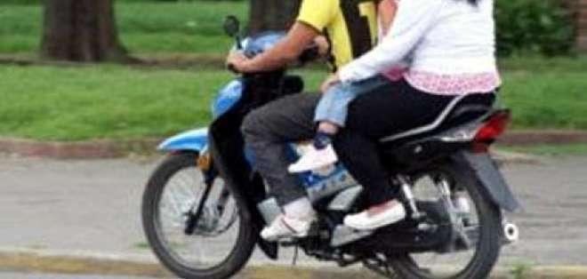 Motociclistas infractores evaden a vigilantes en cantones de Guayas