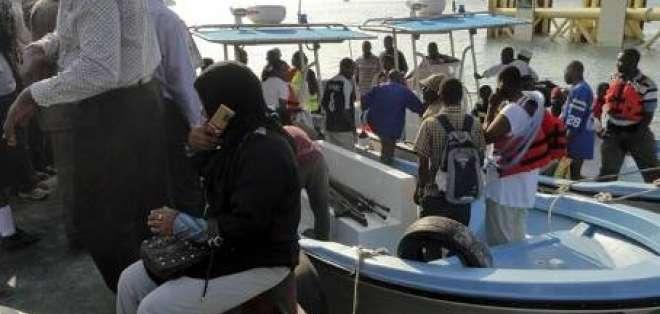 Recuperan 40 cadáveres tras el naufragio de un ferry en Zanzíbar