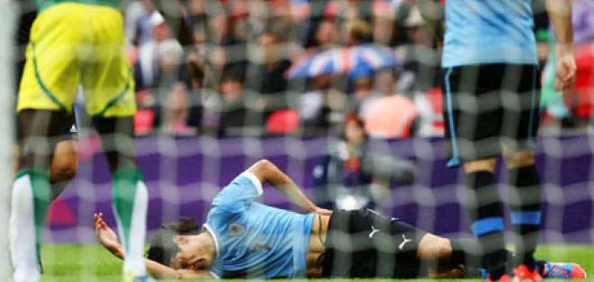 Uruguay cae ante un Senegal muchos minutos en inferioridad