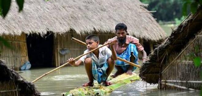Diez muertos y 1,5 millones de afectados por inundaciones en India