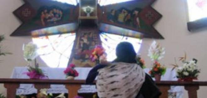 Miles agradecen al 'Señor de los Migrantes' en un santuario en Azuay