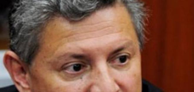 Acusan a Pedro Delgado por delito contra la fe pública
