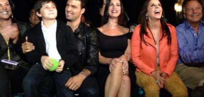 El elenco de 'Pasión Prohibida' se reunió para el estreno de la telenovela