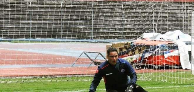 Iván Brun en un entrenamiento con Olmedo.
