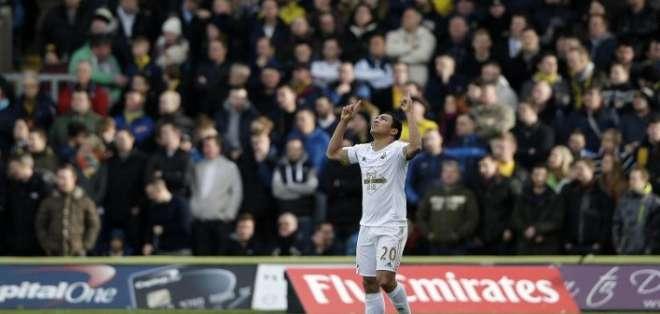 Jefferson Montero en su paso por el Swansea.