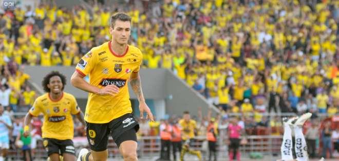El delantero continuará su carrera en el fútbol colombiano tras su paso por Barcelona. Foto: Archivo/API