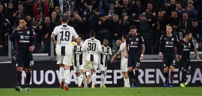 Juventus festeja su triunfo de visitante.