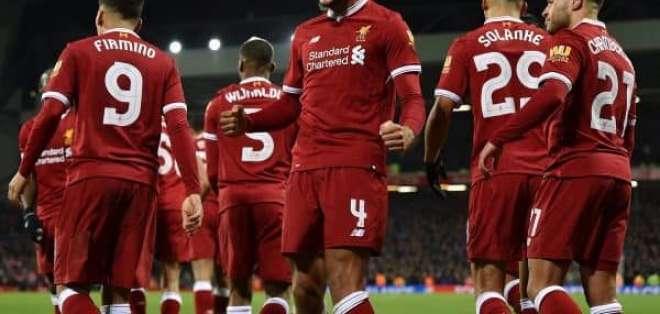 Jugadores del Liverpool celebrando un gol.