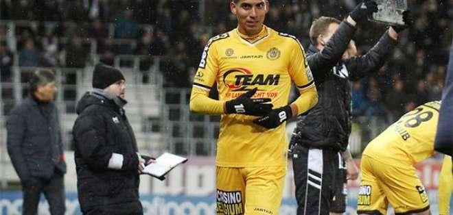 José Cevallos en un partido del Lokeren.