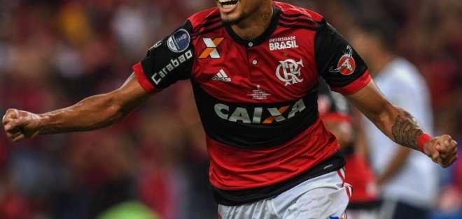 Lucas Paquetá es transferido al AC Milan