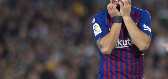 El atacante del FC Barcelona tiene un esguince en tobillo derecho y estará 15 días fuera. Foto: JORGE GUERRERO / AFP