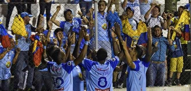 El jugador de Macará valoró la experiencia del equipo para ganar en Bolivia. Foto: AIZAR RALDES / AFP